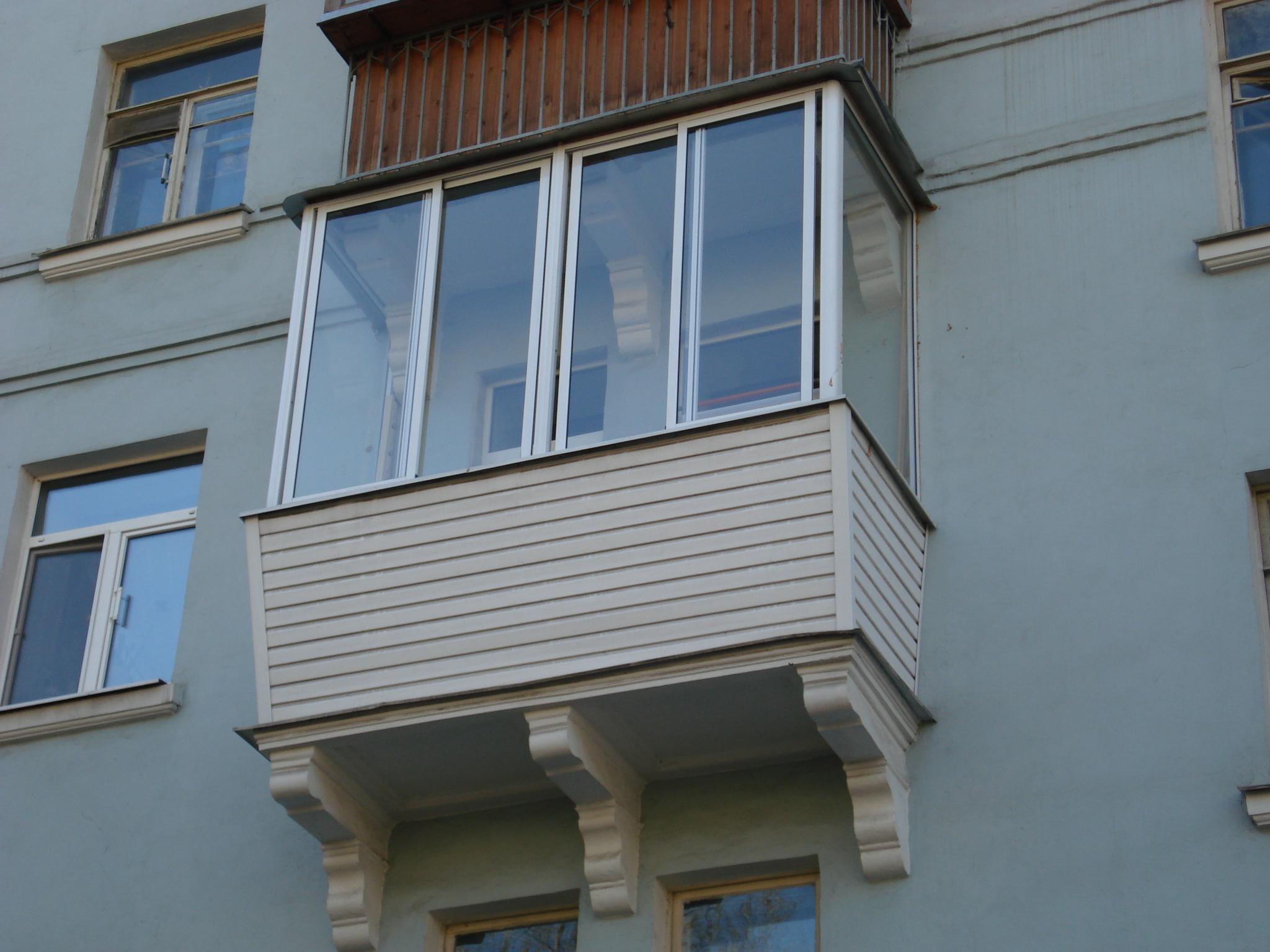 Обшивка балкона сталинка..