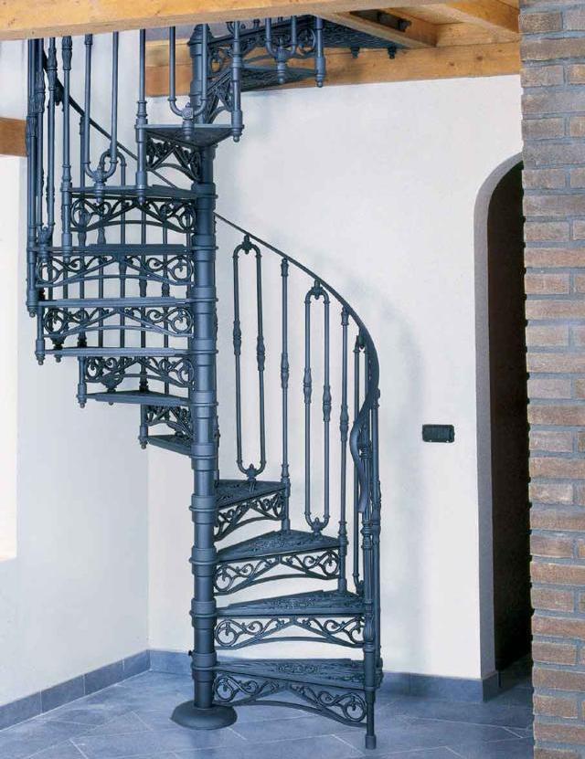 Металлические винтовые лестницы фото