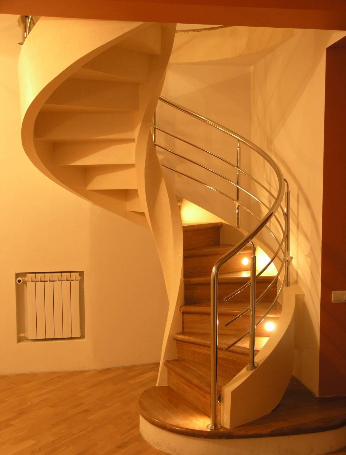 Схема винтовой лестницы второй этаж в частном доме фото