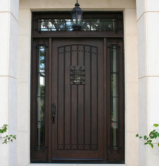уличные входные двери в дома